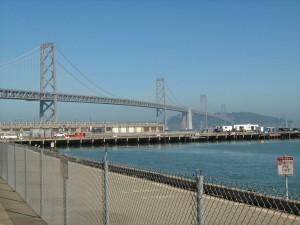 Oakland-Bay-Bridge (doppelspurig - oben und unten)